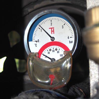 Teplovodný krb - montáž