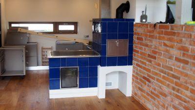 Kuchynská kachľová pec na drevo