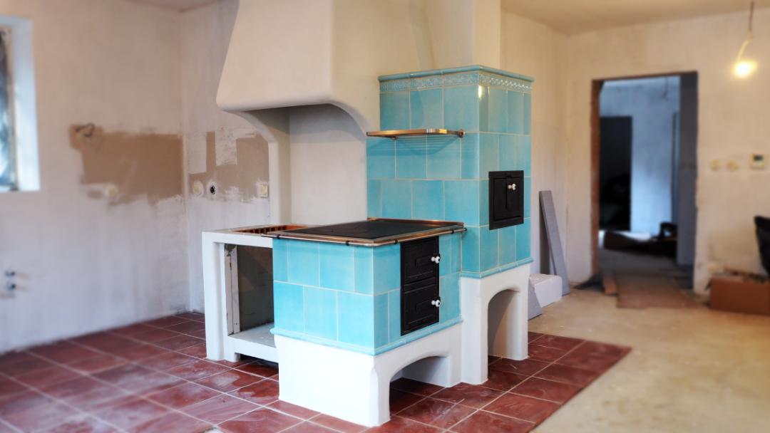 Kuchynska kachlova pec na varenie - kachlovy sporak